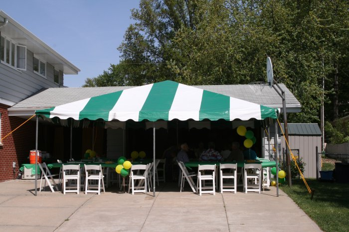 IMAGE of 20 X 20 G&W frame tent set for graduation party